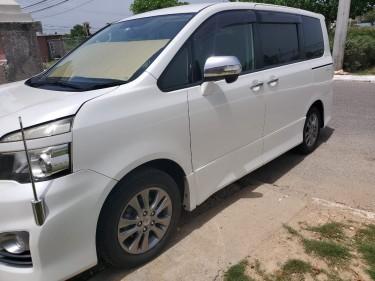2011 Toyota Voxy ZS