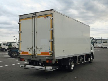 ISUZU FORWARD FREEZER TRUCK 2011