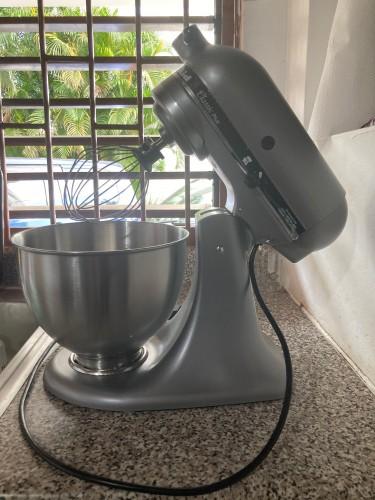 (NEW) KitchenAid Classic Plus 4.5 Quart Mixer