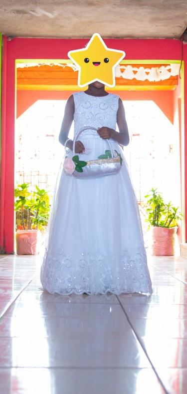 Litte Girls Crisp White Dress