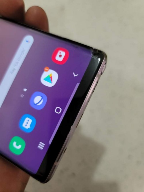 Note 9 128 Crack At The Bottom