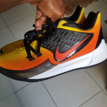 New Nike Kyrie Low 2 With Some Scratches From Out