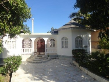 CORAL GARDEN 8 BED 7 BATH FOR SALE
