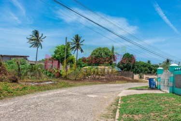 4 Bedroom & 4 Bathroom For Sale ( Incomplete) Houses Lauriston , St Catherine