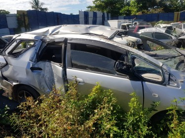 2012 Honda Fit Shuttle Hybrid PARTS (Scrapping)