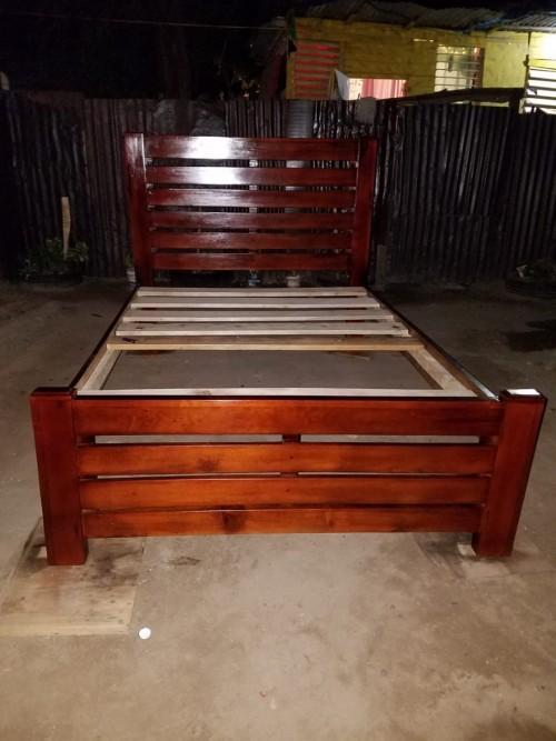 Queen Modern Bed