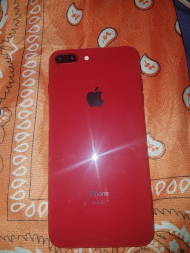 IPhone 8 Plus (RED) 10/10 Condition!!! NO CRACKS!!