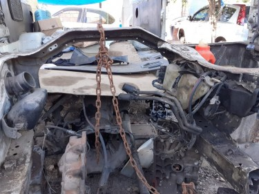 1996 4wd Hiace Scrapping-Parts
