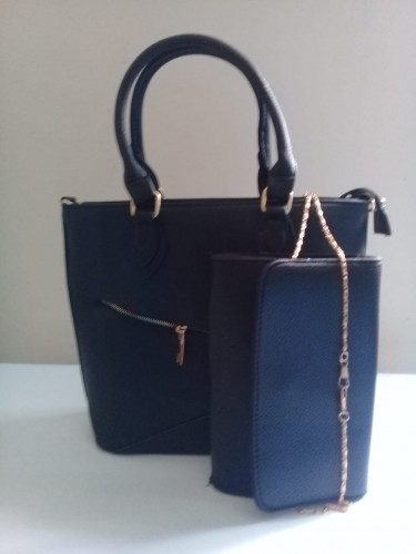 Medium Black Hangbag Set With Clutch