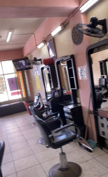 Booth Rentals (barber,hairdresser & Nail Tech) Shops Oak Park Plaza In Portmore