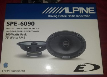 JL Audio Subwoofer With Box..and 2 6x9 Alpine Mids