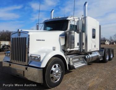 DJ8587 2016 Kenworth W900 Semi Truck