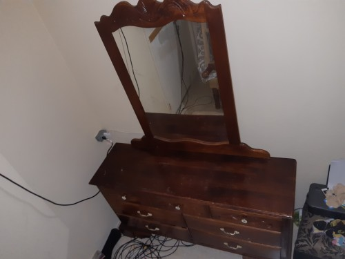 7 Drawer Dresser. Price Reduced.