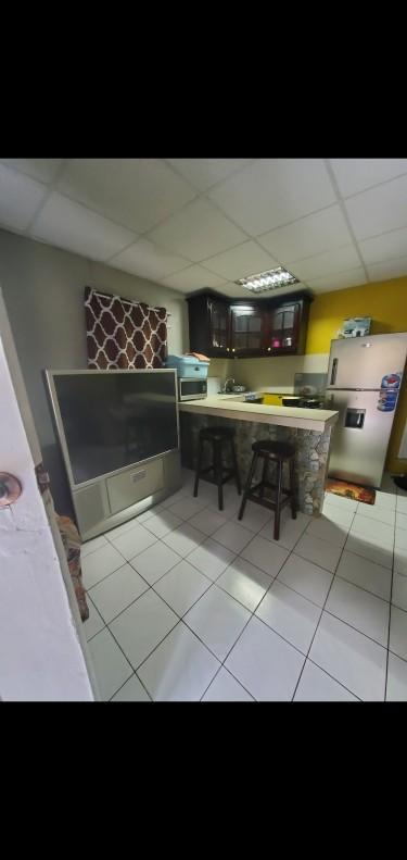 Furnished Single 1 Bedroom Shared Kitchen/Bath