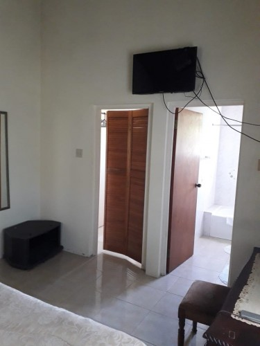 Furnished 1 Bedroom Apartment