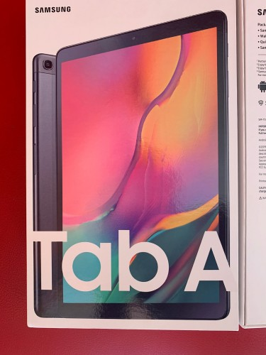 Sealed Brand New 2019 Samsung Galaxy Tab A 10.1 32