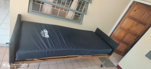 DRIVE MEDICAL SEMI-ELECTRIC LOW BED