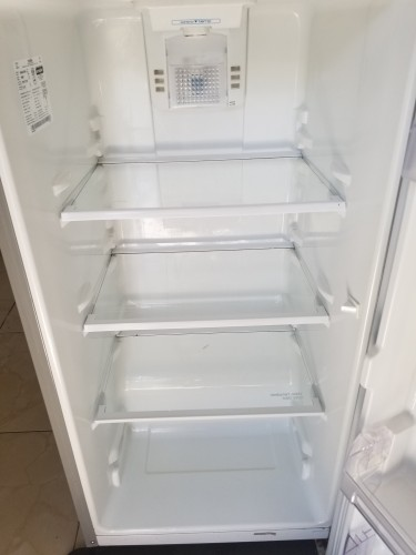 9 Cubic Ft Mabe Refrigerator