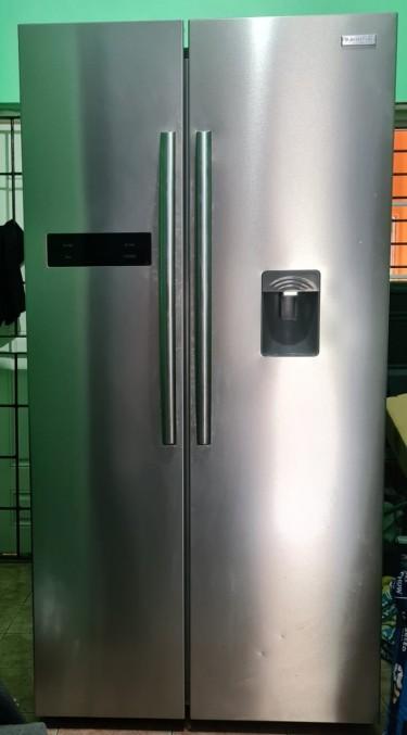 Blackpoint Two Door Water Dispenser