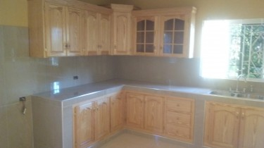 Spacious 5 Bedroom 2 Bath- For 1 Family Or Shared Houses Linstead