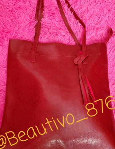 Oil Wax Leather Tote With Zipper