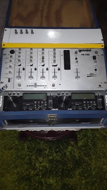 Stereo Mixer Equalizer Power Amplifier 5 Box Stand