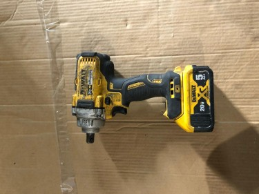 DEWALT 1/2 Inch Impact Wrench