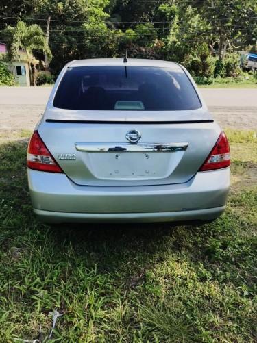 2005 Nissan Tiida