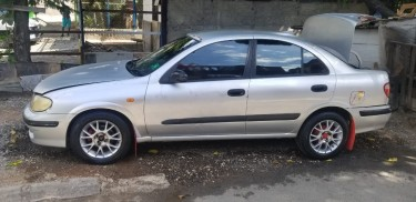 2001 Nissan Sunny