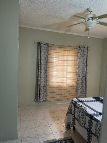 1 Bedroom 1 Bathroom Shared Kitchen & Living Room