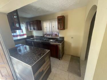 1 Bedroom Bath Kitchen Living Room Varandah