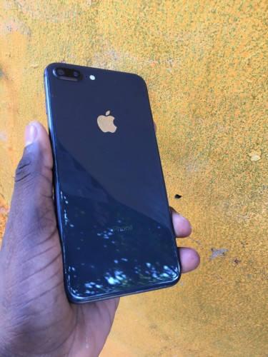 256gb Rsim Unlock IPhone 8 Plus For 45k