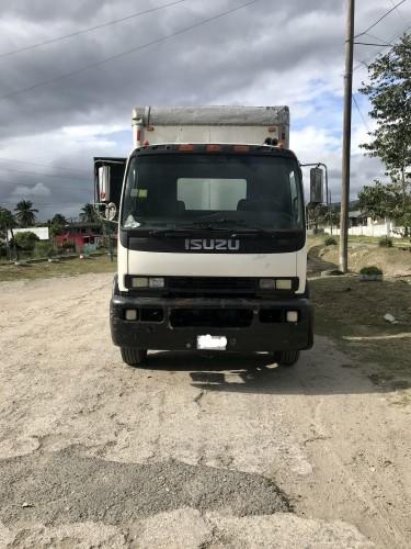 Isuzu FTR Box Truck