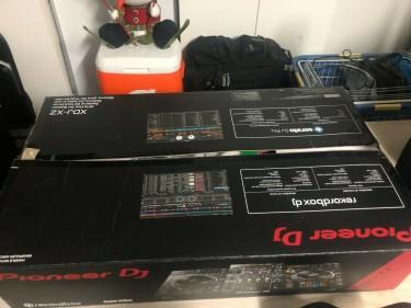 Pioneer DJ XDJ-XZ All In One DJ System - Black