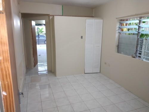 2 Bedroom Small Side Of House