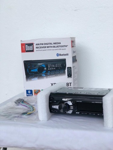 Car Radio With Aux, Bluetooth & Hands-free Call
