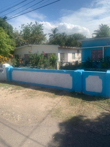 2 Houses On 1 Prop For Sale Sydenham St. Catherine