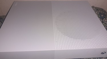 Xbox One S All Digital+new Xbox Series X Controlle
