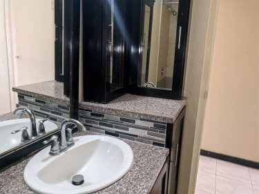 For Rent 2 Bedroom 1 Bath Kitchen Living/Dining