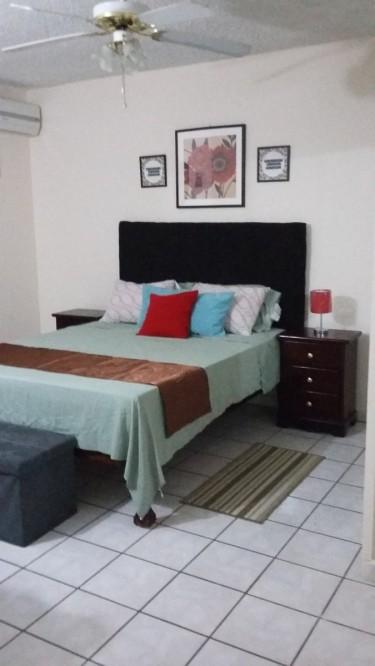 2 Bedroom 1 Bedroom Apartment