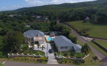 Vacation Hideaway Or Investment Property