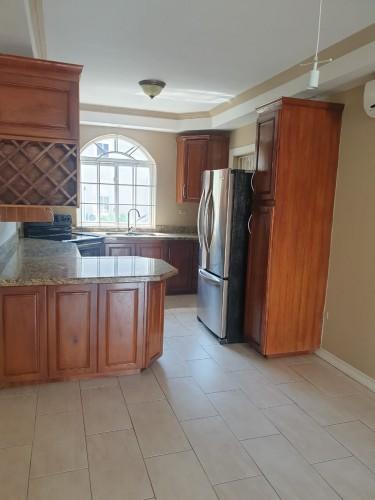 2 Bedrooms Apartment