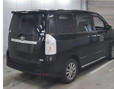 TOYOTA VOXY 8 SEATER FULL HOUSE