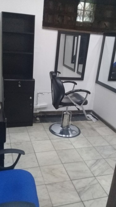 Barber Station And Nails Station For Rent