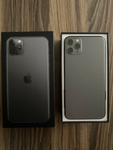Apple IPhone 11 Pro Max Unlocked Space Gray 64GB-P