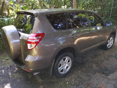 2012 TOYOTA RAV4 EXCELLENT CONDITION LOW MILAGE