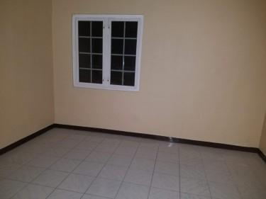 2 Bedroom, 1 Bath, Living/ Dinning, Kitchen