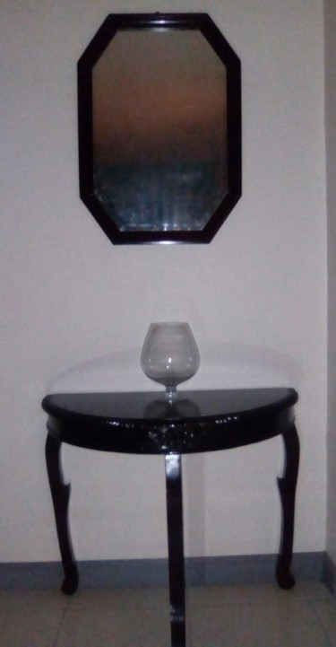 Beautiful Entrance Table W/Matching Mirror