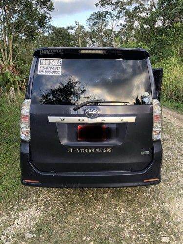 2010 Toyota Voxy For Sale