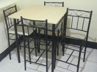 Used Island Table Set For Sale
